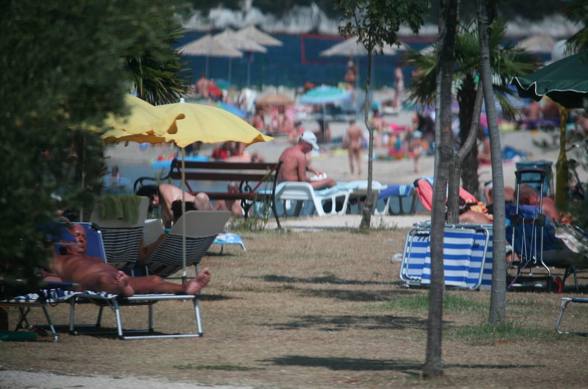 Avilia FKK Naturist Park - 2