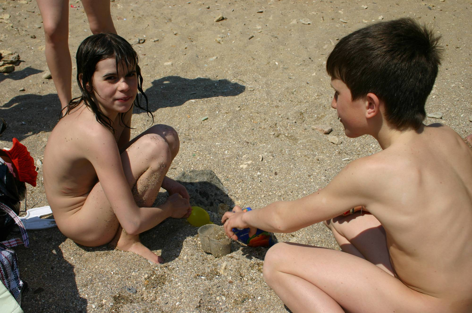 Nudist Pictures Family Group Balloon Fill - 2