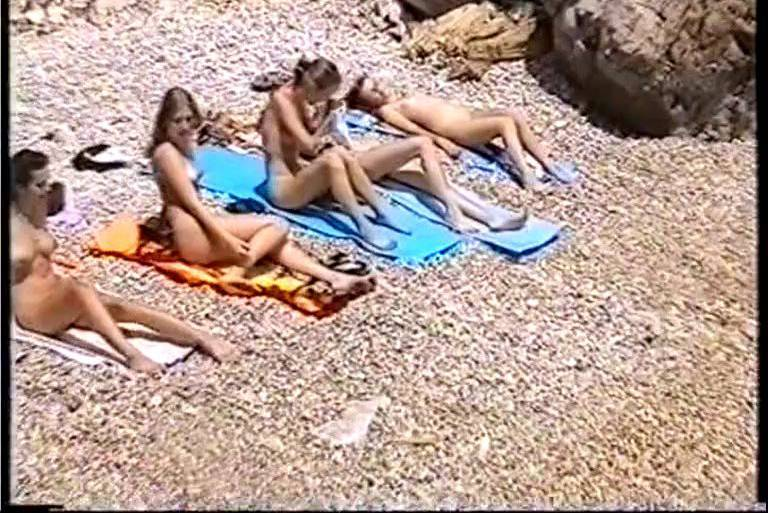 Nudist Videos Holiday for Girls - 1