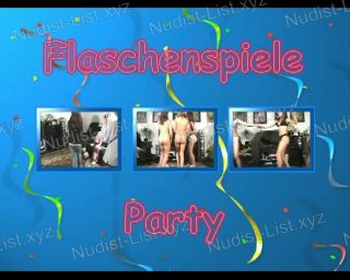 Naturistin.com - Flaschenspiele Party