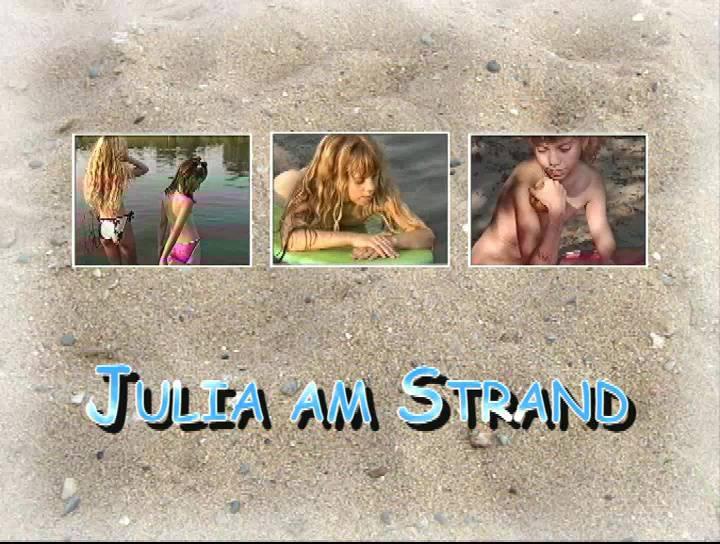 Julia am Strand - Poster