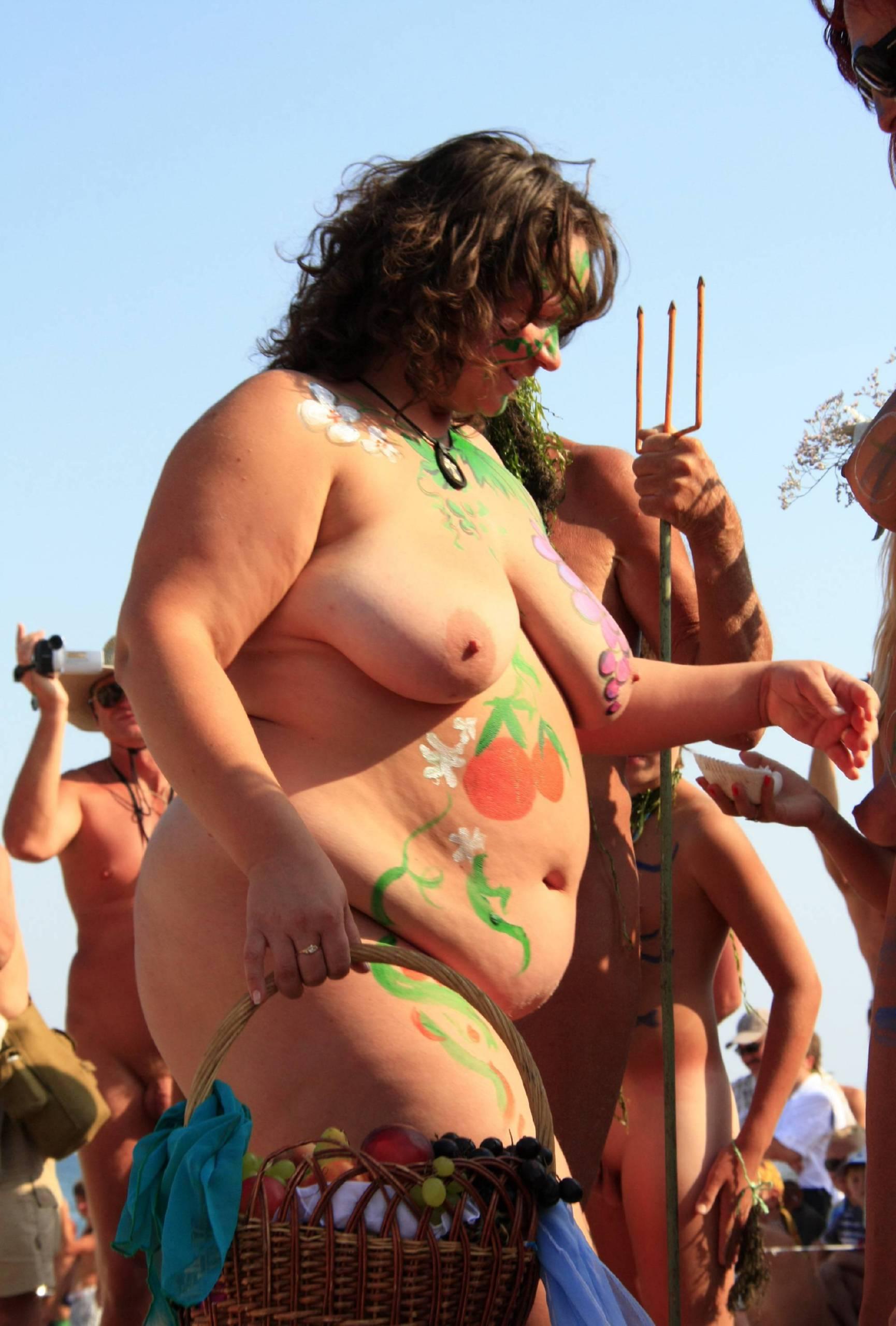 Nudist Gallery Neptune Women Dancing - 2