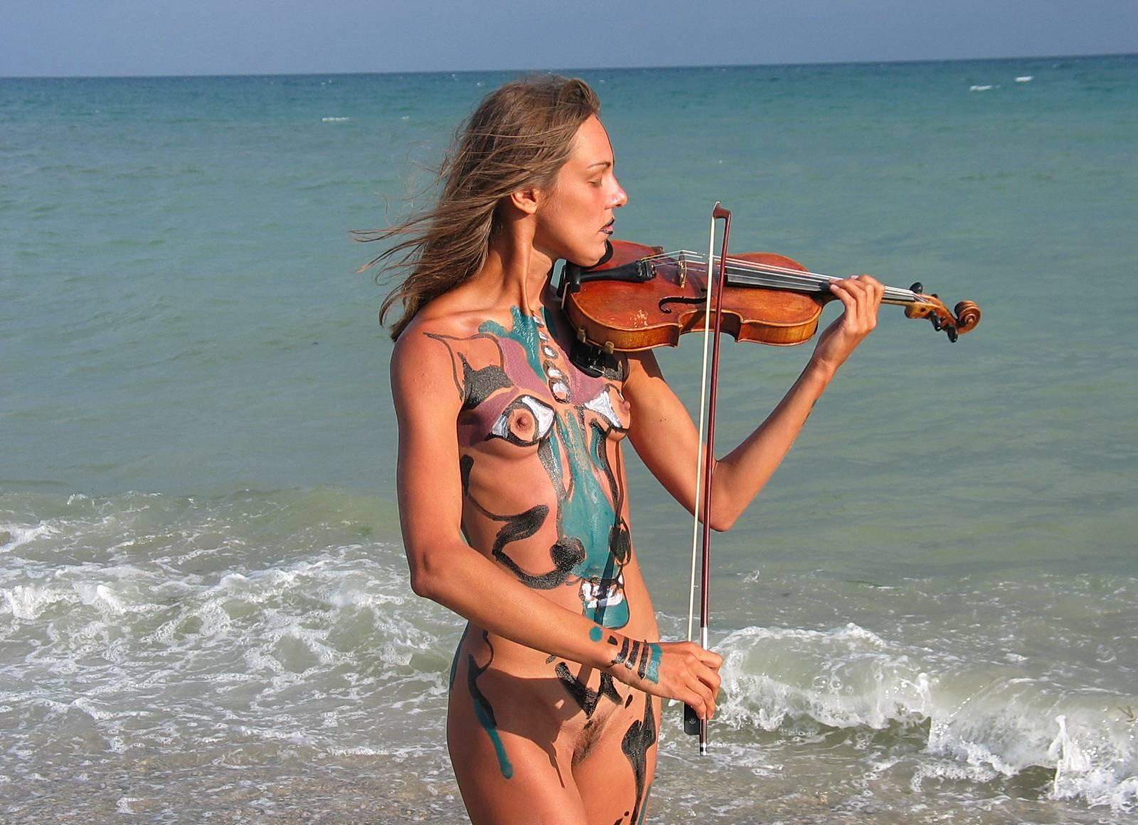 Nudist Photos Seaside Soothing Violinist - 2