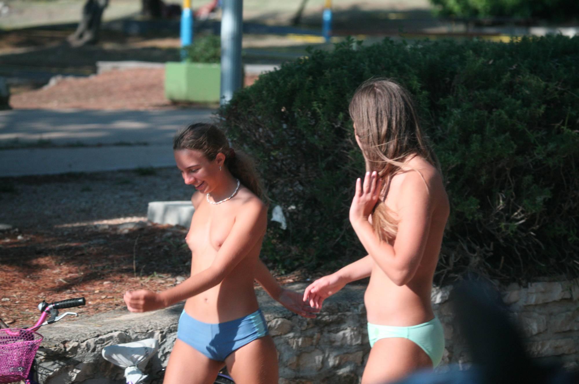 Pier FKK Camp Girlfriends - 1