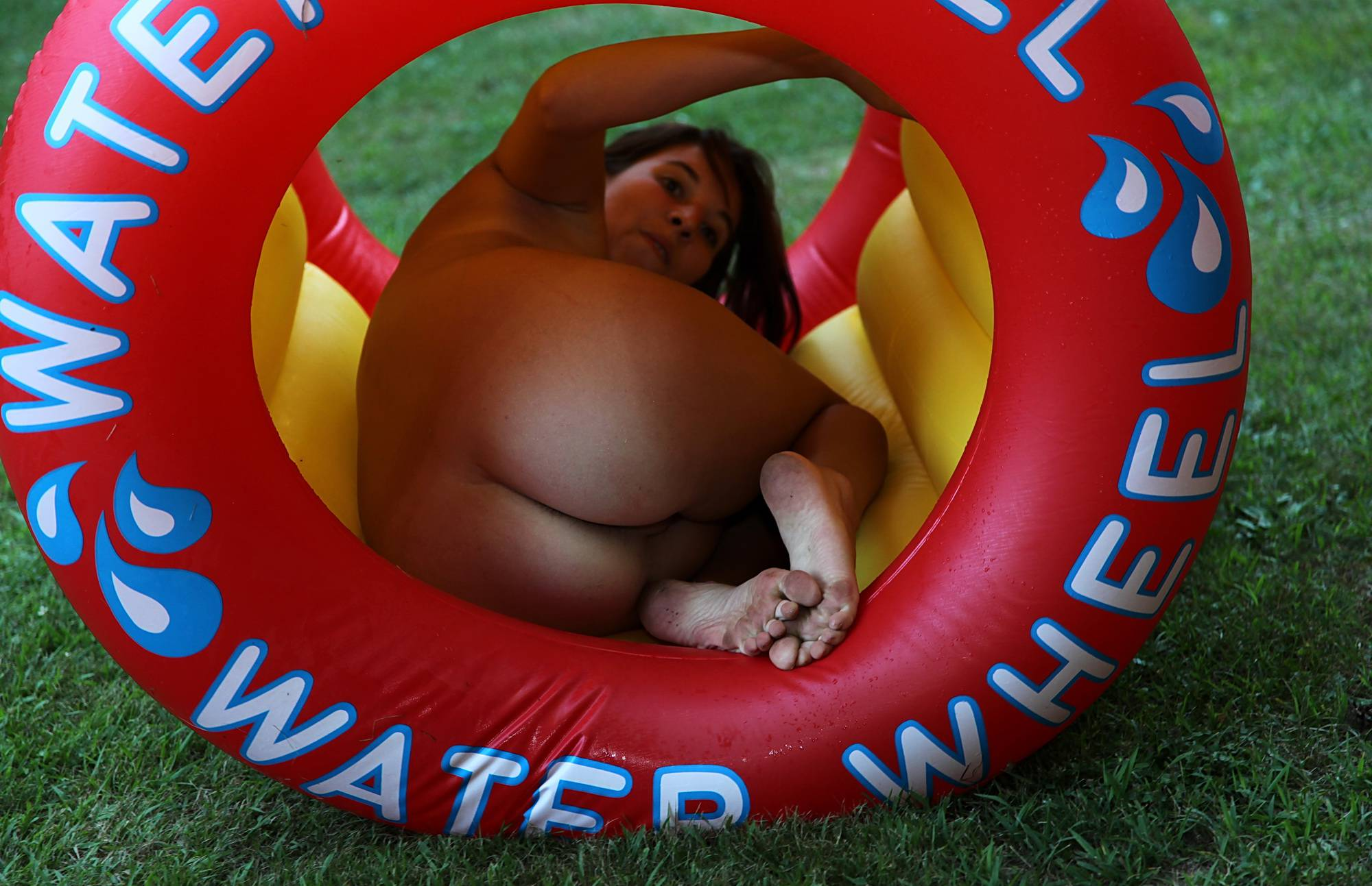 Nudist Pictures Water Wheel Grass Roll - 1